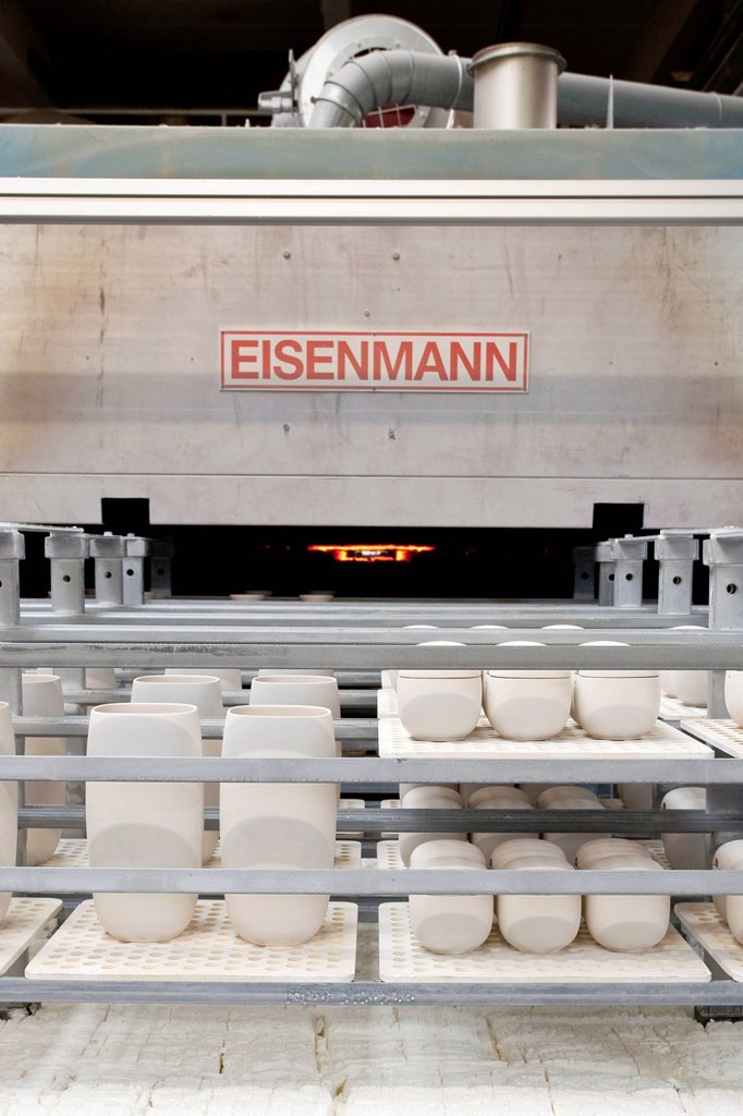 Stock Photo: 1848-649671 Kiln from the Eisenmann company in the production of tableware at the porcelain manufacturer Rosenthal GmbH, Speichersdorf, Bavaria, Germany, Europe