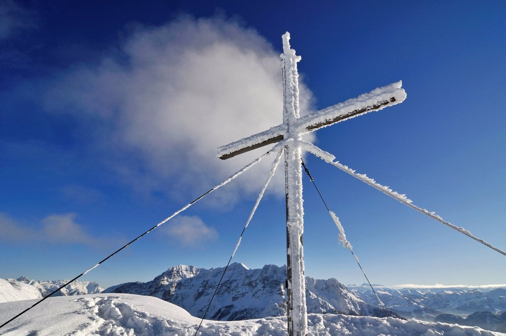 Stock Photo: 1848-649731 Snowy cross on the peak of Steinplatte mountain, Reit im Winkl, Chiemgau, Bavaria, Germany, Europe