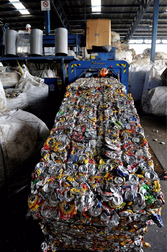 Stock Photo: 1848-650335 Cans made of tinplate, aluminium are pressed into blocks in a recycling plant, for the export to China, San José, Costa Rica, Latin America, Central America