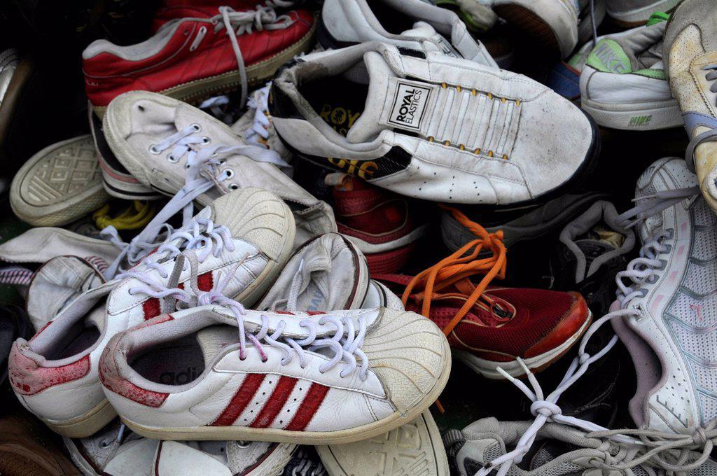Stock Photo: 1848-652991 Used trainers, flea market, Cambodia, Asia