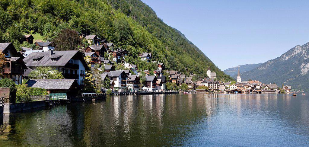 Stock Photo: 1848-653146 Hallstadt at Hallstaettersee Lake, Hallstatt Lake, Unesco World Heritage Site, Salzkammergut, Austria, Europe