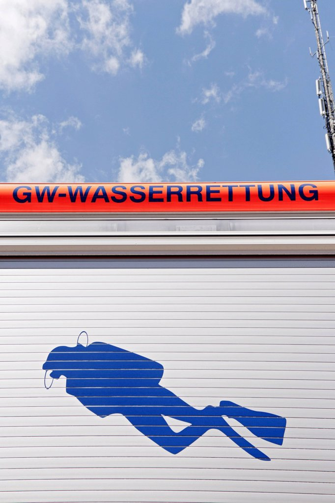 Stock Photo: 1848-653885 GW Wasserrettung, water rescue truck, engine, fire department