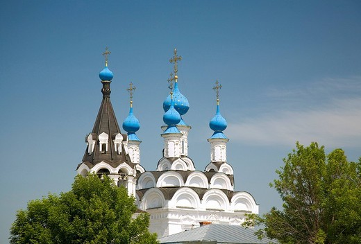 Stock Photo: 1848-65557 Towers of the Mary annunciation convent. Murom, Russia