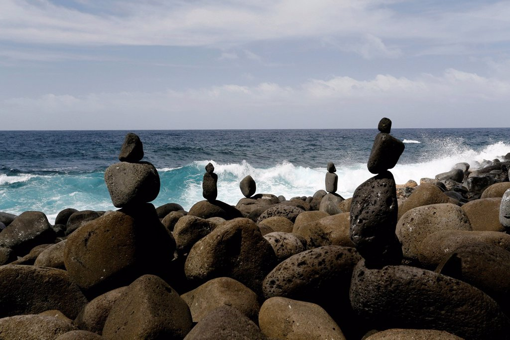 Cairns piled up at Government Beach, Pahoa Coast, Big Island, Hawaii, USA : Stock Photo