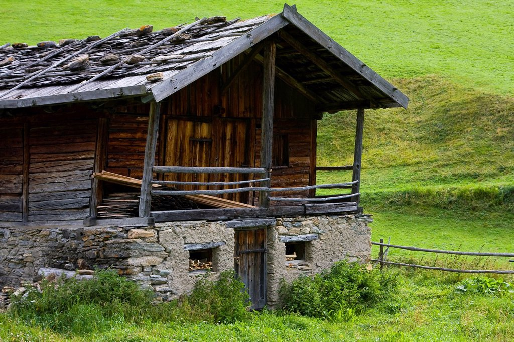 Alpine hut, Alto Adige, Italy, Europe : Stock Photo