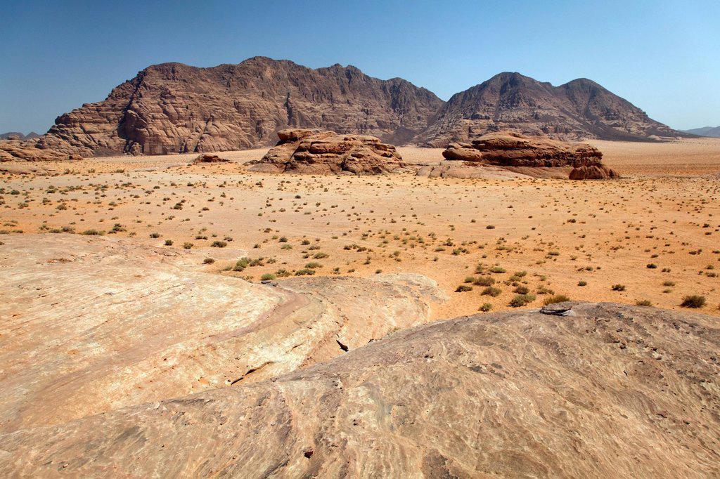 Stock Photo: 1848-659739 Wide plain, desert, mountains, Wadi Rum, Hashemite Kingdom of Jordan, Middle East, Asia