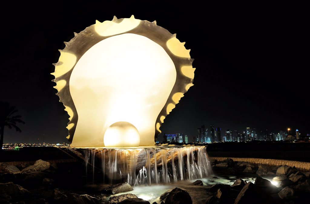 Stock Photo: 1848-659756 The Pearl monument on the Corniche, Doha, Qatar, Arabian Peninsula, Persian Gulf, Middle East, Asia
