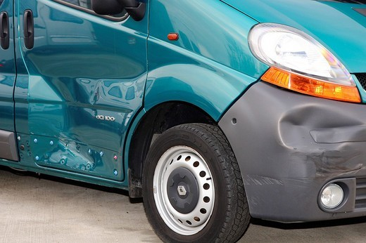 Accident damaged car, Renault Trafic : Stock Photo
