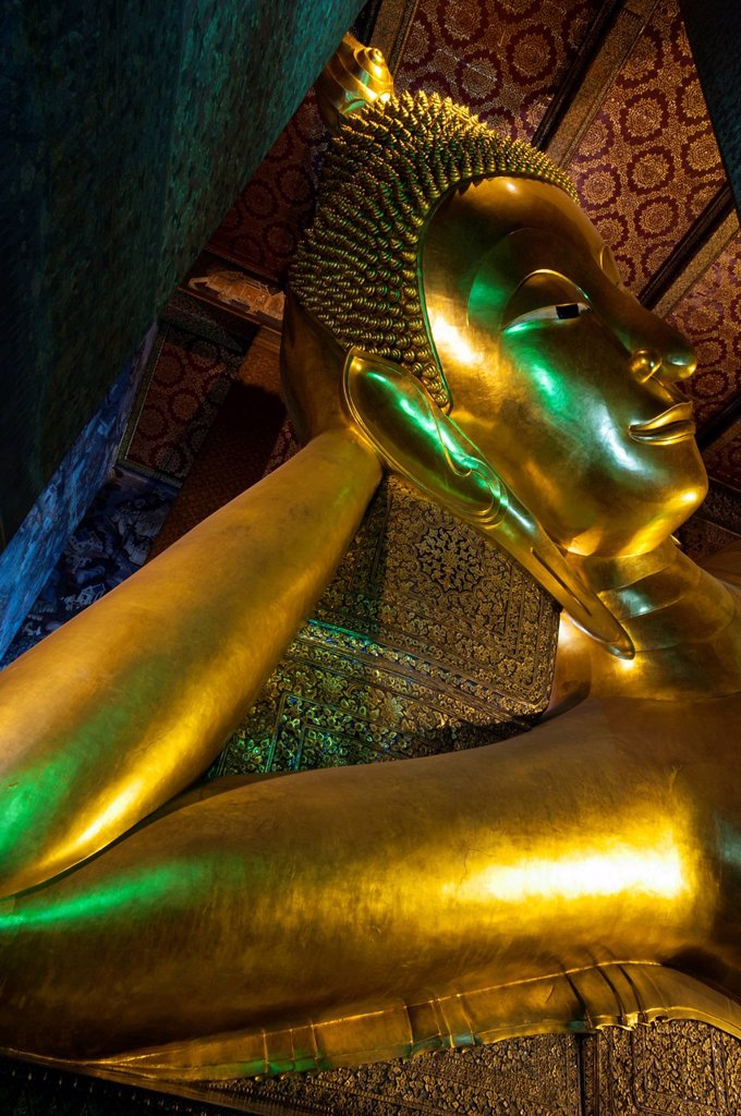 Reclining Buddha statue, head, Wat Pho or Wat Phra Chetuphon, Bangkok, Thailand, Asia : Stock Photo