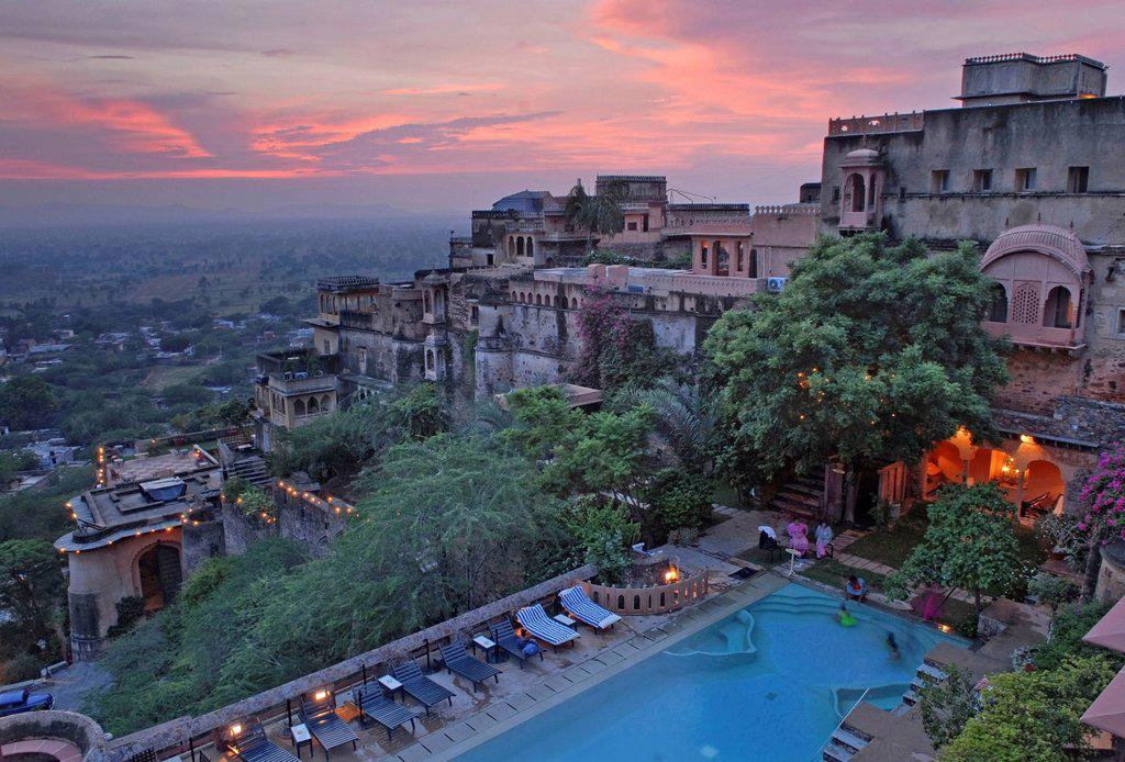 Stock Photo: 1848-665332 Heritage Hotel Neemrana Fort, Rajasthan, North India, India, Asia