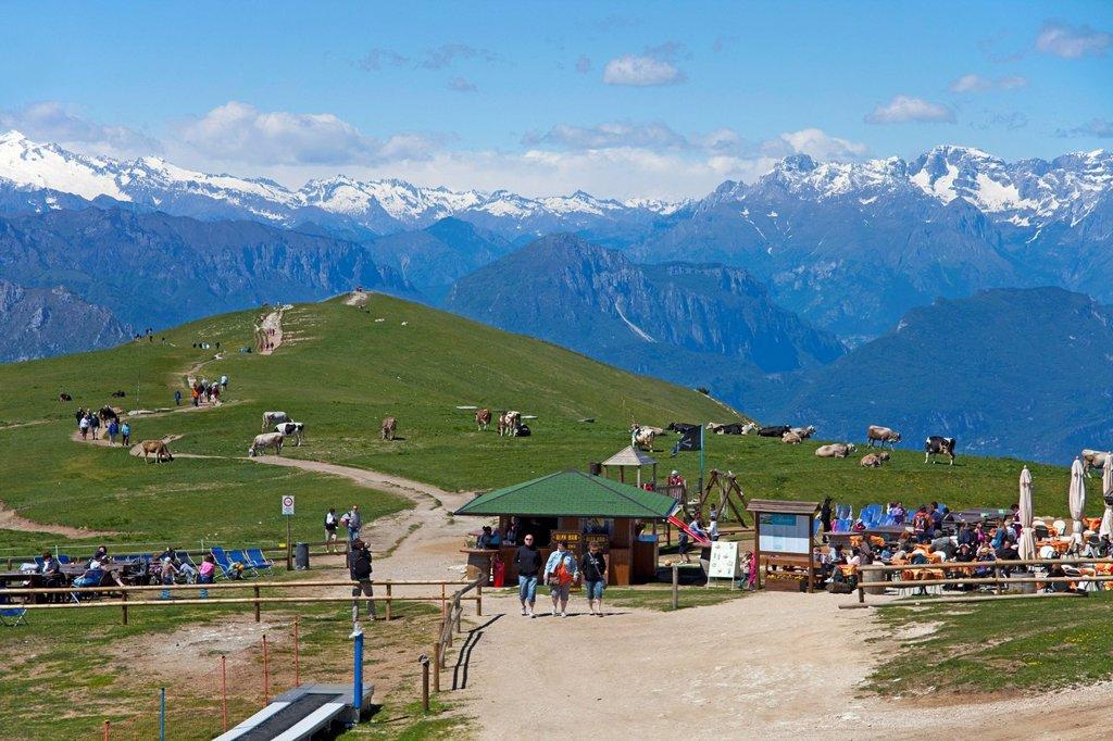 Trail to the Colma di Malcesine lookout point, people in a rest area on Mt. Monte Baldo, Monte Baldo massif, Lake Garda, Malcesine, Verona province, Veneto, Italy, Europe : Stock Photo