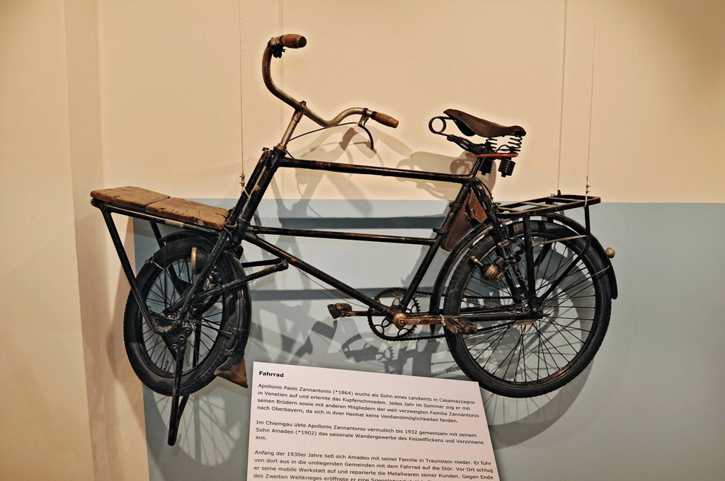 Mit Sack und Pack special exhibition, bicycle from 1930, Bauernhausmuseum Amerang farmhouse museum, Amerang, Bavaria, Germany, Europe : Stock Photo