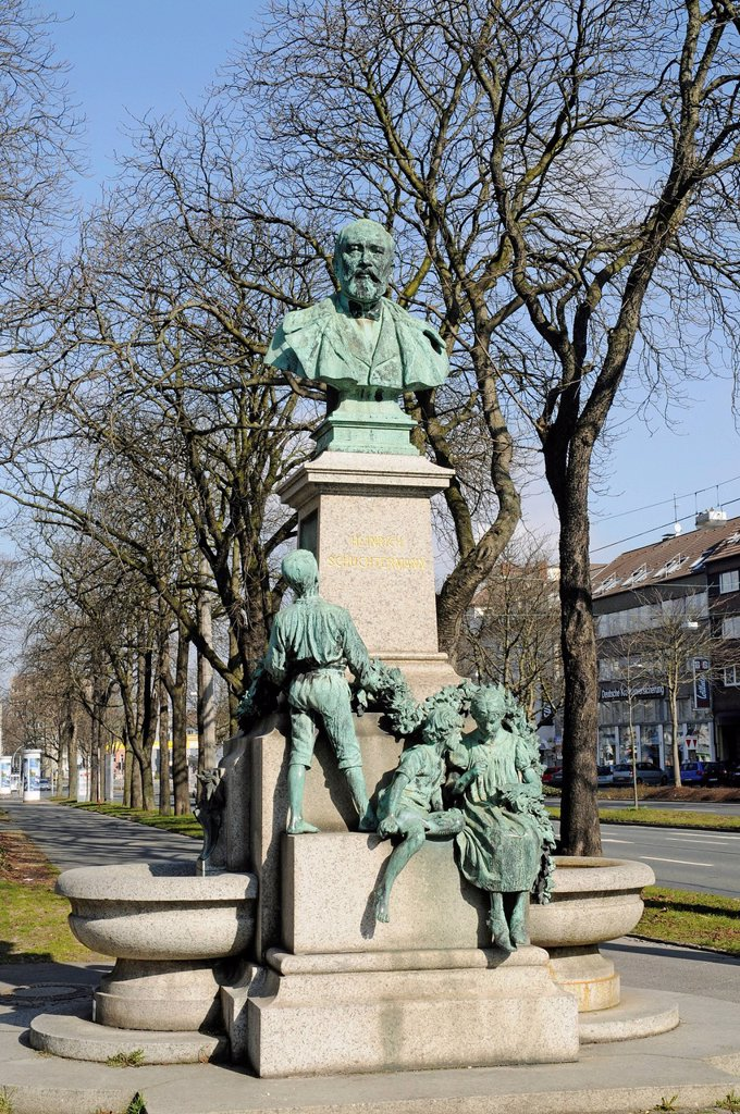 Stock Photo: 1848-667544 Monuments for Heinrich Schuechtermann, industrialist, founder, honorary citizen, Dortmund, Ruhrgebiet region, North Rhine_Westphalia, Germany, Europe