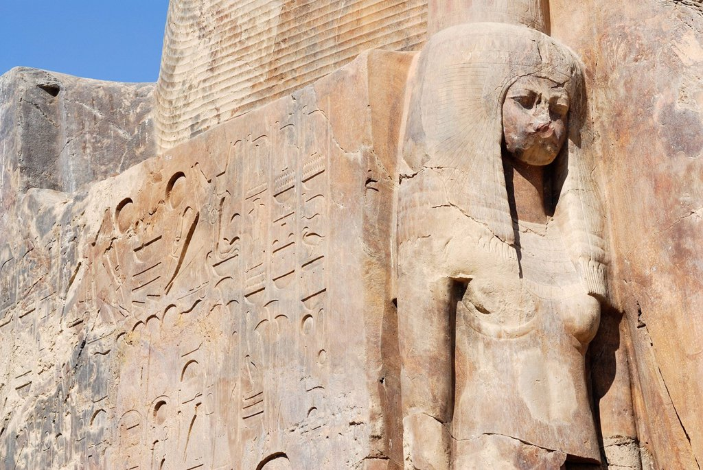 Stock Photo: 1848-668514 Statue on the base, Colossi of Memnon, Thebes West, Deir el_Bahari, Luxor, Nile Valley, Egypt, Africa