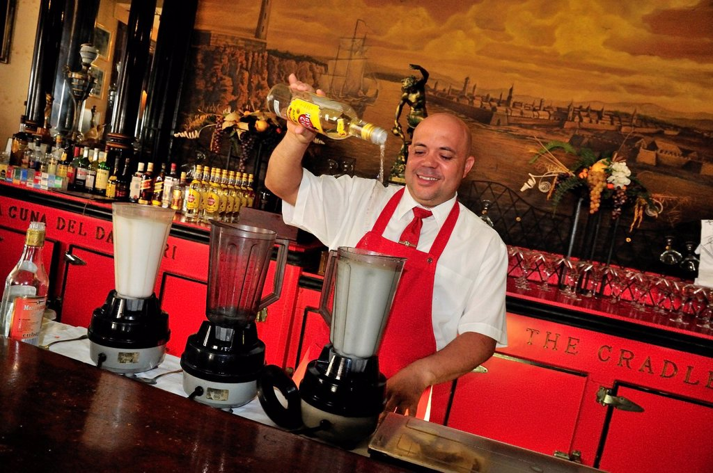 Stock Photo: 1848-669090 Bartender mixing Daiquiris, cocktails, Floridita Bar, Hemingway´s favorite bar in Old Havana, Habana Vieja, Havana, Cuba, Caribbean