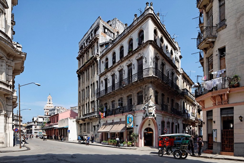 Stock Photo: 1848-671324 Typical street with neo_classical building dating from feudalism times, Castillo de Farnes Restaurant, Obrapia, Villa San Cristobal de La Habana, old town, UNESCO World Heritage Site, La Habana, Havana, Republic of Cuba, Caribbean, Central America