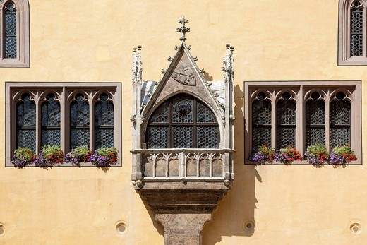 Gothic oriel window at the old town hall in Regensburg, Bavaria, Germany, Europe : Stock Photo