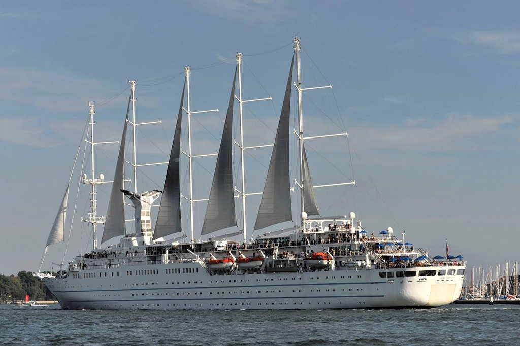 Wind Surf, a cruise ship, built in 1990, 188m, 312 passengers, leaving the harbour, Venice, Veneto region, Italy, Europe : Stock Photo
