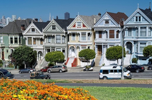 Painted Ladies or Postcard Row houses, Alamo Square, Steiner Street, San Francisco, California, USA : Stock Photo
