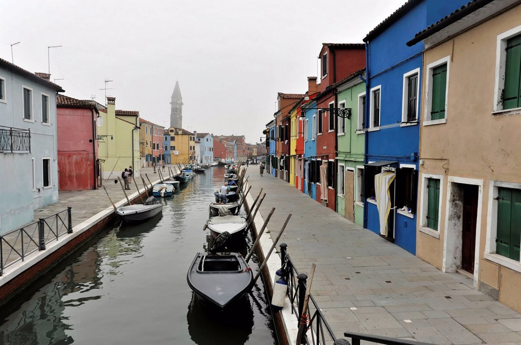 Stock Photo: 1848-675055 Colourful houses on a canal, Burano island, Venice, Veneto region, Italy, Europe