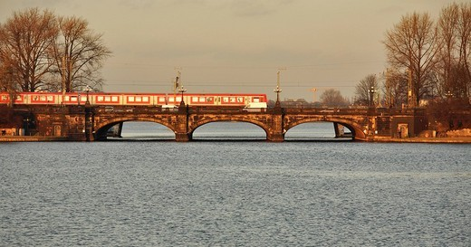 Stock Photo: 1848-67527 Local traffic, suburban train crossing the Binnenalster, Hamburg, Germany
