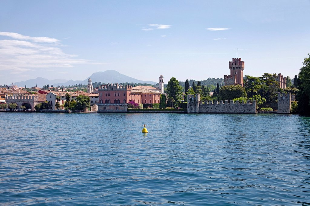 Lazise with Scaliger castle, 9th century, one of the best preserved fortifications on Lake Garda, Lazise, Verona province, Veneto, Italy, Europe : Stock Photo