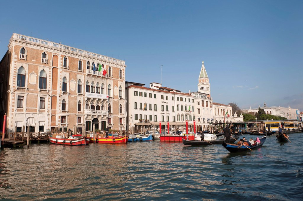 Gondolas in front of the palaces on the Grand Canal, Venice, Veneto, Italy, Southern Europe : Stock Photo