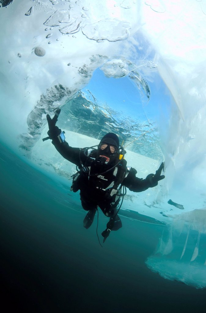 Stock Photo: 1848-686111 Diver, ice_diving, Lake Baikal, Olkhon island, Siberia, Russia, Eurasia
