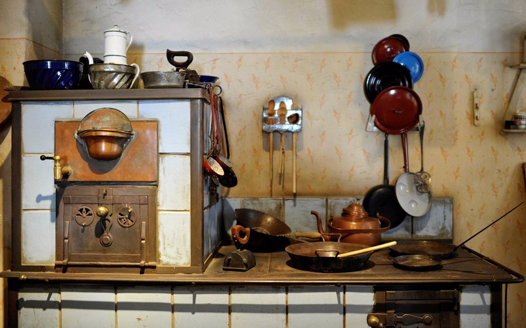 Antique kitchen, Museum House, Loisium World of Wine, Langenlois, Kamptal, UNESCO World Cultural Heritage Site in Wachau, Lower Austria, Austria, Europe : Stock Photo