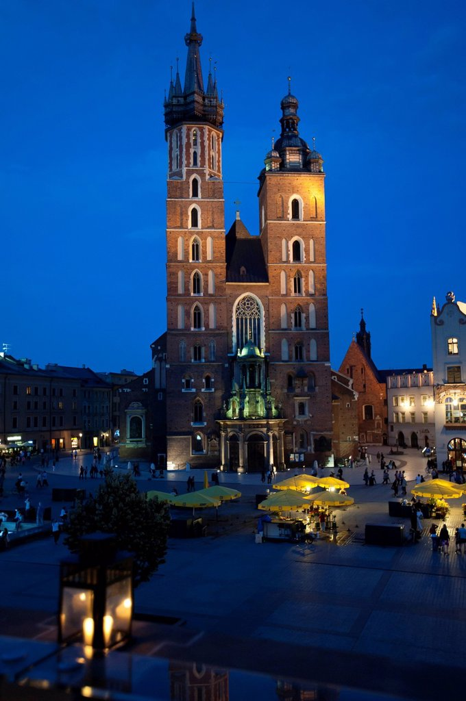 Stock Photo: 1848-686499 St. Mary´s Church at dusk as seen from the terrace on top of the Cloth Hall, Rynek or market square, Krakow, Malopolska, Poland, Europe