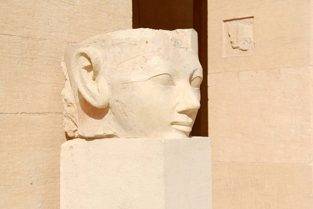 Statue, mortuary temple of Pharaoh Hatshepsut, western Thebes, Deir el_Bahari, Luxor, Nile Valley, Egypt, Africa : Stock Photo