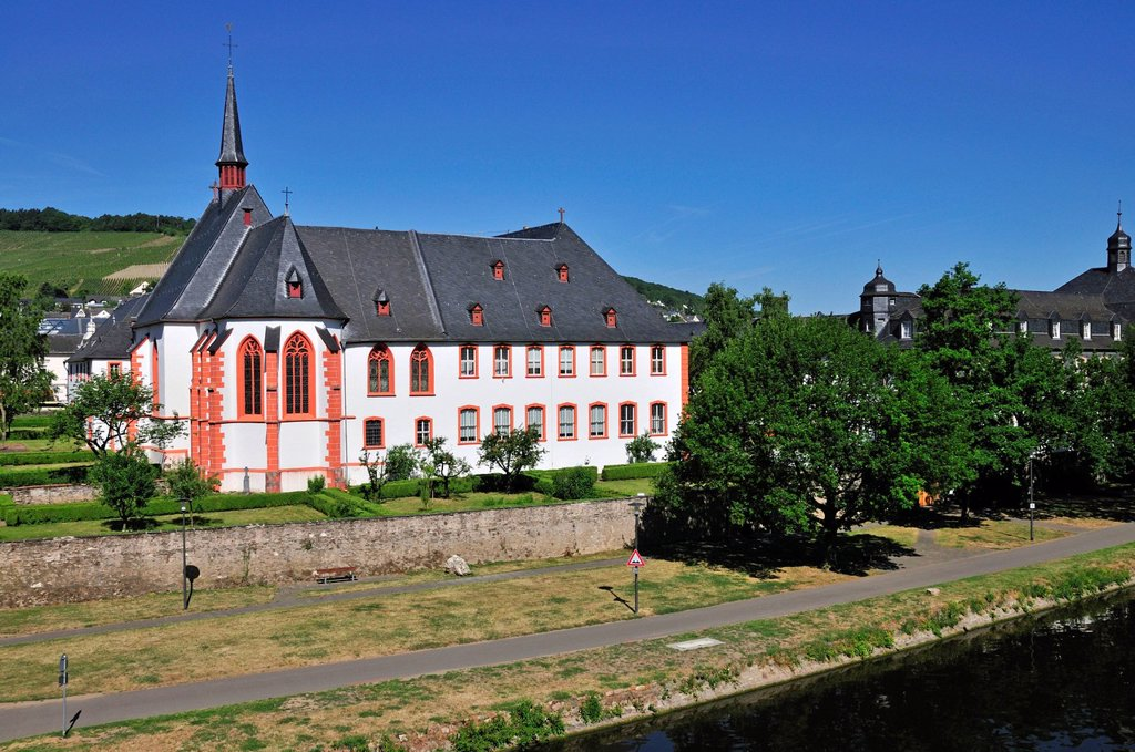 Stock Photo: 1848-689998 Cusanusstift or St. Nikolaus_Hospital, Bernkastel_Kues, Rhineland_Palatinate, Germany, Europe