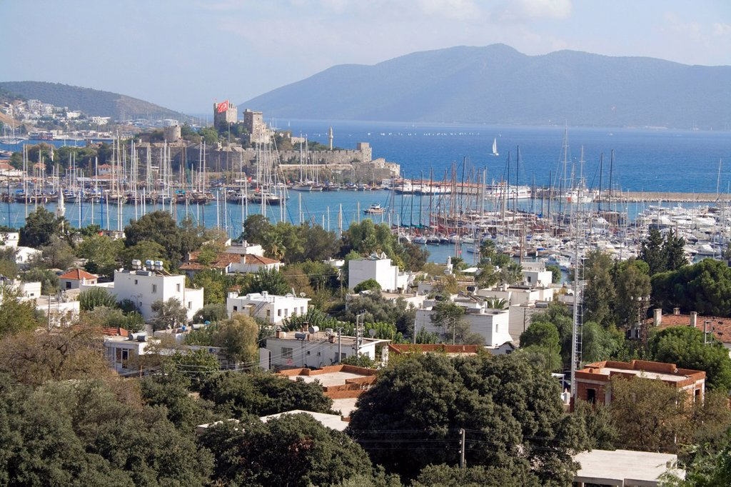 Cityscape, St. Peter´s Castle, Bodrum Castle, landmark, fortress from the Middle Ages, Bodrum, Turkey, Mediterranean : Stock Photo
