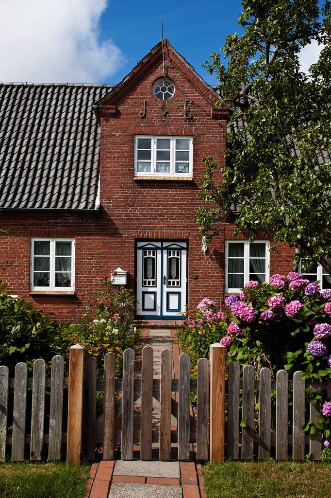 Entrance of a house on the North Frisian island of Amrum, Schleswig_Holstein, Germany, Europe : Stock Photo