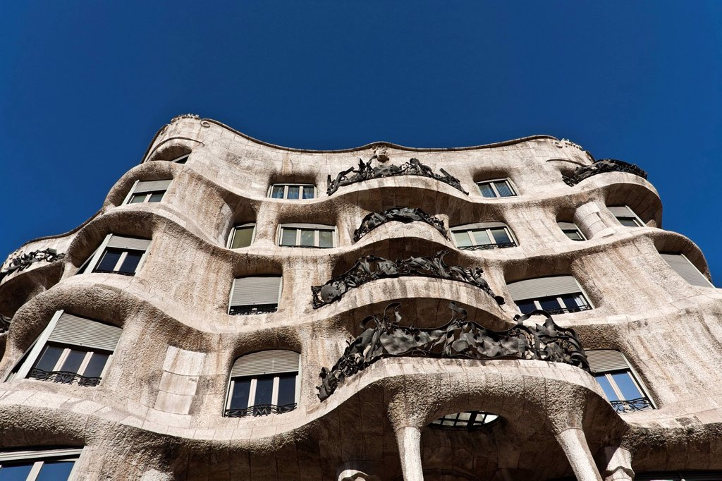 Stock Photo: 1848-692727 Casa Milà, designed by Antoni Gaudí, 1912, Barcelona, Catalonia, Spain, Europe