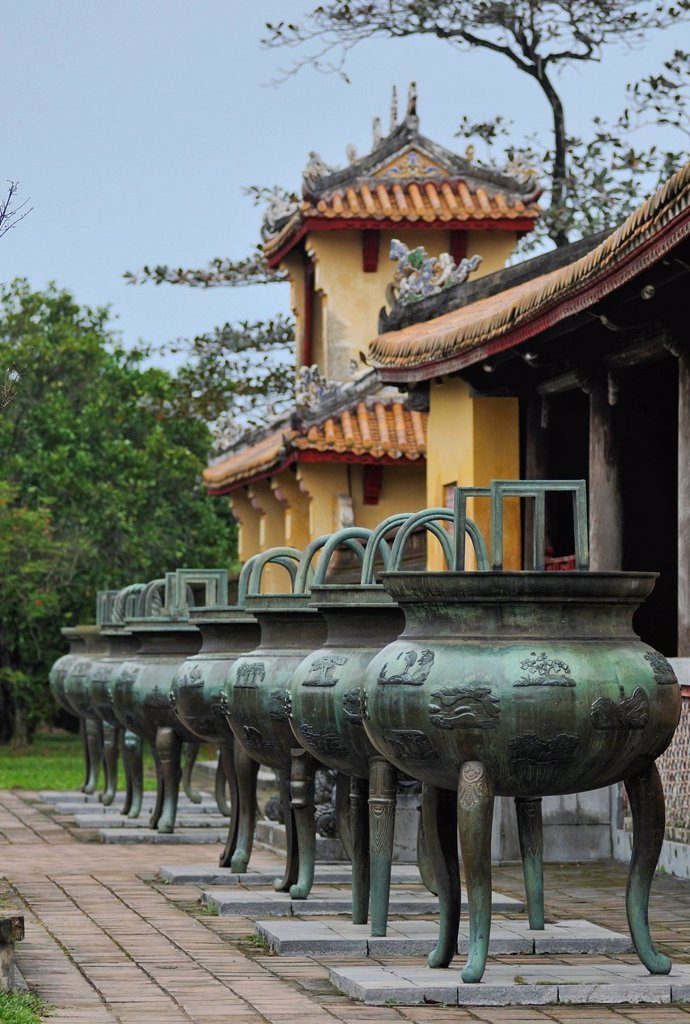 Nine Dynastic Urns in front of Hien Lam Pavilion in the Citadel, Imperial Palace of Hoang Thanh, Forbidden City, Hue, UNESCO World Heritage Site, Vietnam, Asia : Stock Photo