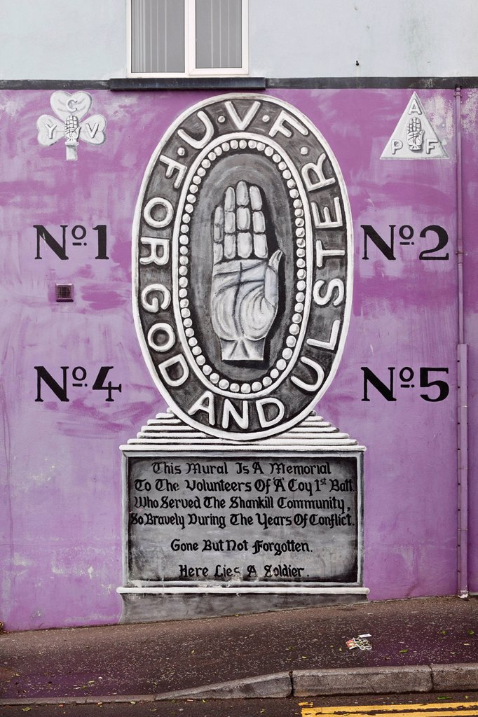 Ulster hand, Protestant mural, Shankill Road, West Belfast, Belfast, Ulster, Northern Ireland, United Kingdom, Europe, PublicGround : Stock Photo