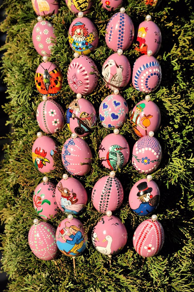 Stock Photo: 1848-694869 Easter eggs on an easter fountain, Schechingen, Baden_Wuerttemberg, Germany, Europe