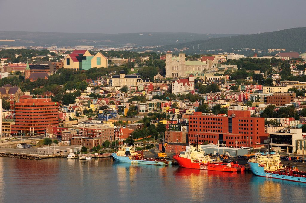St. John´s, the capital of Newfoundland as viewed from Signal Hill, St. John´s, Newfoundland, Canada, North America : Stock Photo