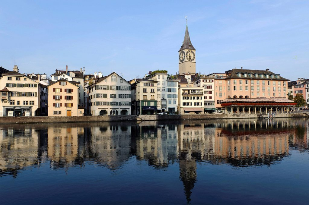 Stock Photo: 1848-698126 St. Peter´s church and a bank of the Limmat river in Zurich, Switzerland, Europe