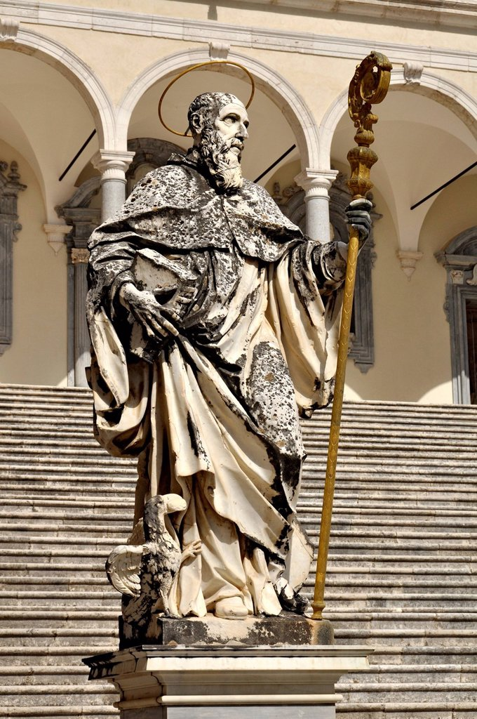 Marble statue of St. Benedict by P. Campi of Carrara, Cloister of Bramante, Benedictine abbey of Montecassino, Monte Cassino, Cassino, Lazio, Italy, Europe : Stock Photo