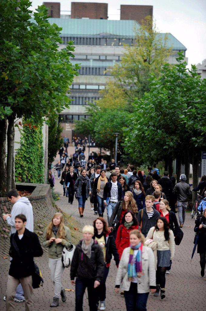 Stock Photo: 1848-699579 Start of university, freshers week, welcoming new students to university, Heinrich_Heine Universitaet, Duesseldorf, North Rhine_Westphalia, Germany, Europe