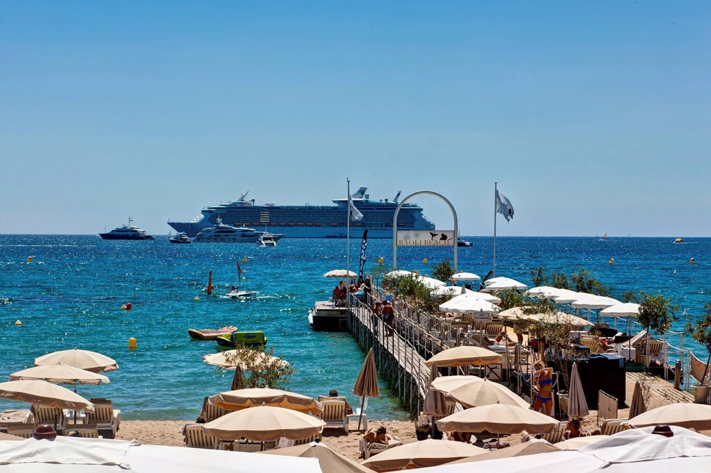 Stock Photo: 1848-699804 Beach of Cannes on the Croisette promonade, Cote d´Azur, Southern France, France, Europe, PublicGround
