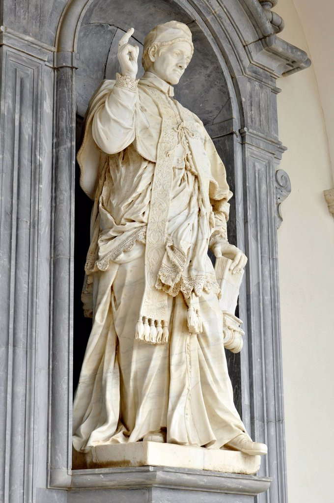 Stock Photo: 1848-700539 Marble statue of Pope Urban V by P. Campi of Carrara, in the portico of the Benedictine abbey of Montecassino, Monte Cassino, Cassino, Lazio, Italy, Europe