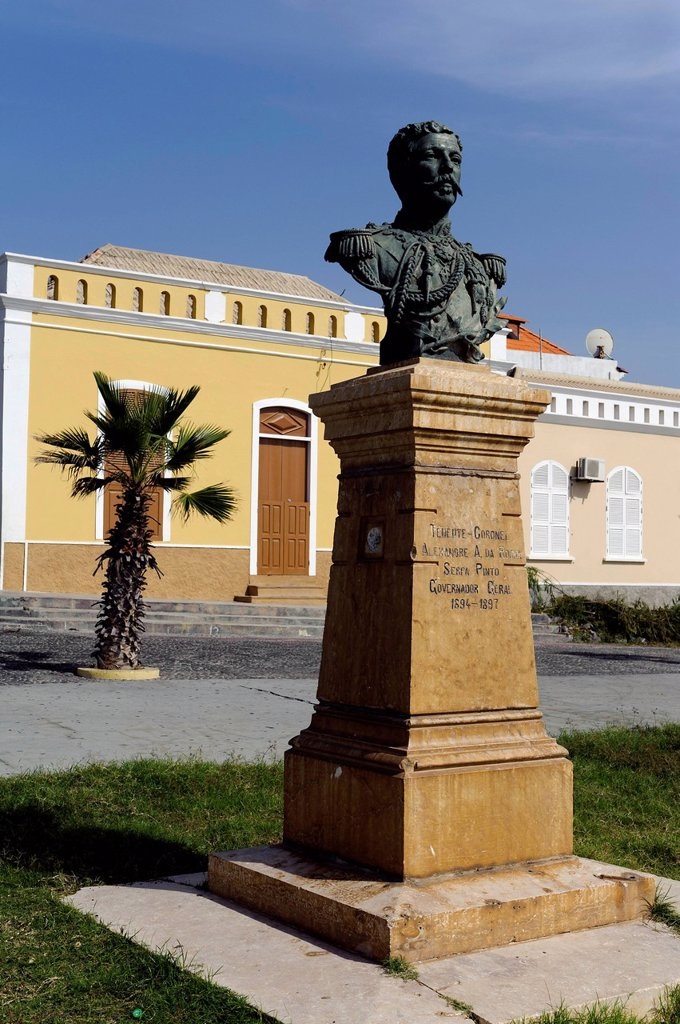 Stock Photo: 1848-702534 Monument in Sao Filipe, bust, Cape Verde, Africa