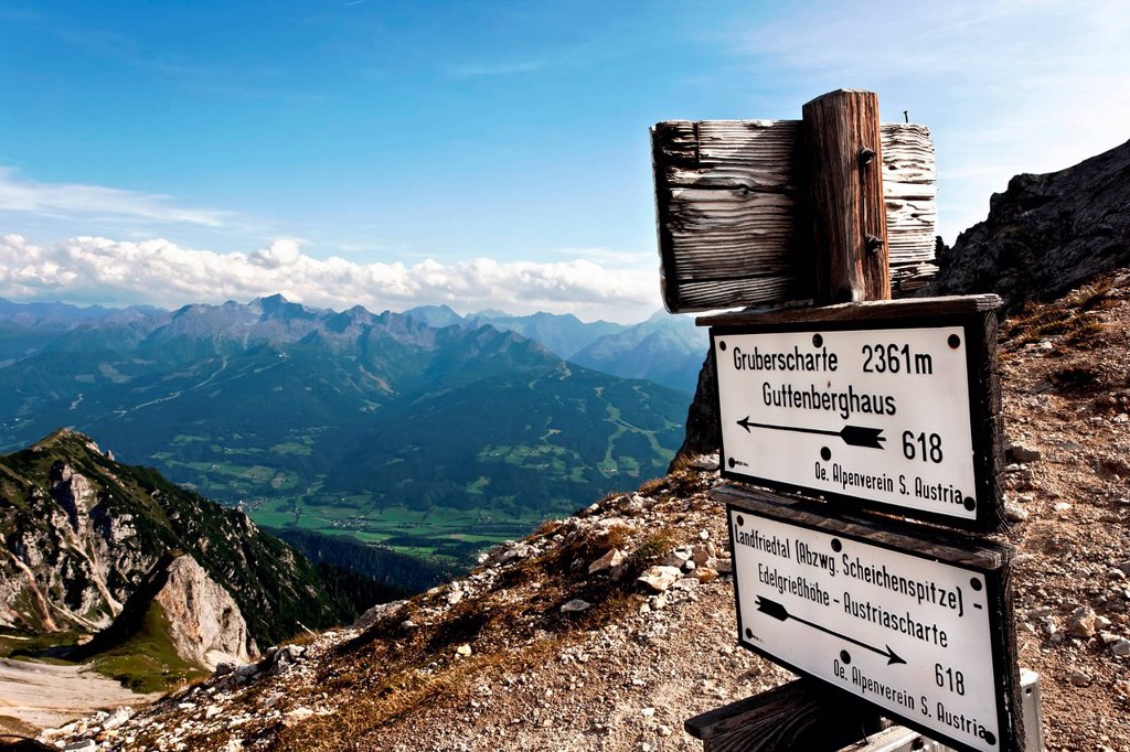 Stock Photo: 1848-705699 Signpost, Dachstein mountain, Styria, Austria, Europe