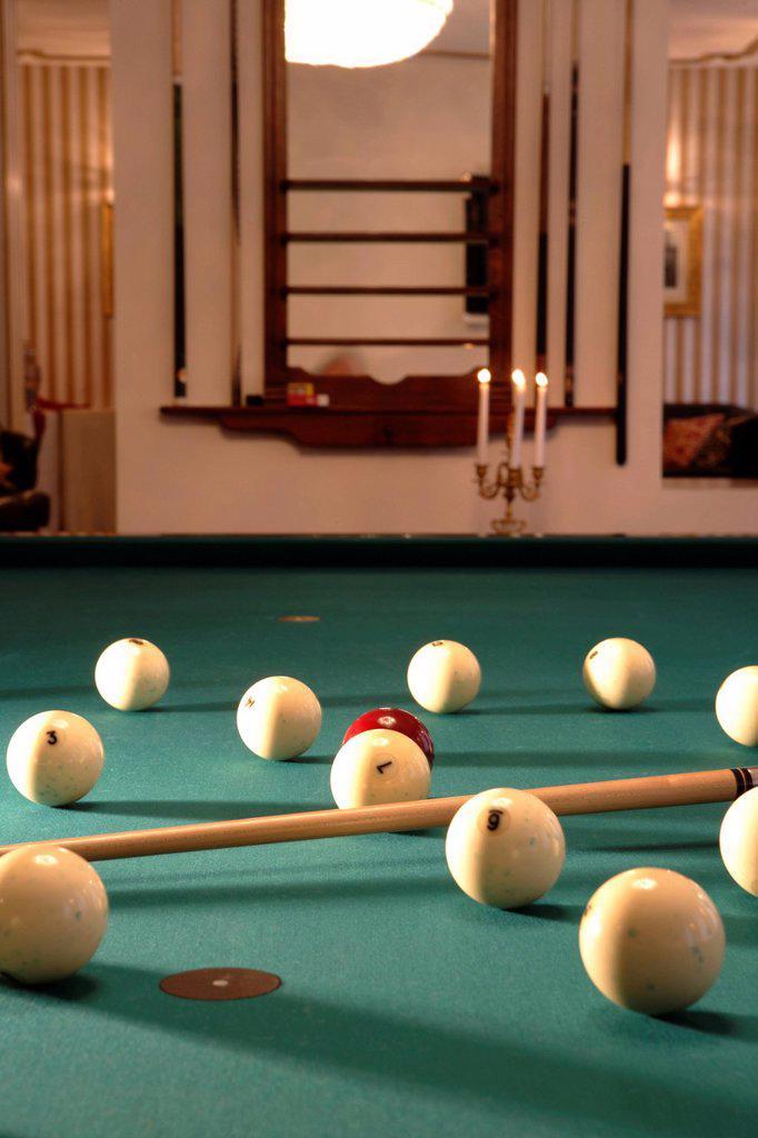 Stock Photo: 1848-707769 Billiards, billiard balls, billiard table