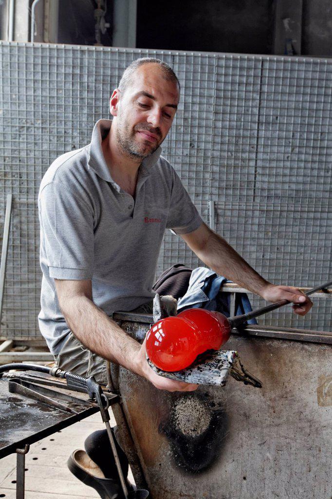 Stock Photo: 1848-708029 Alberto Conserotti, glassblower maestro, Salviati art glass factory, Murano, Venice, Venetia, Italy, Europe