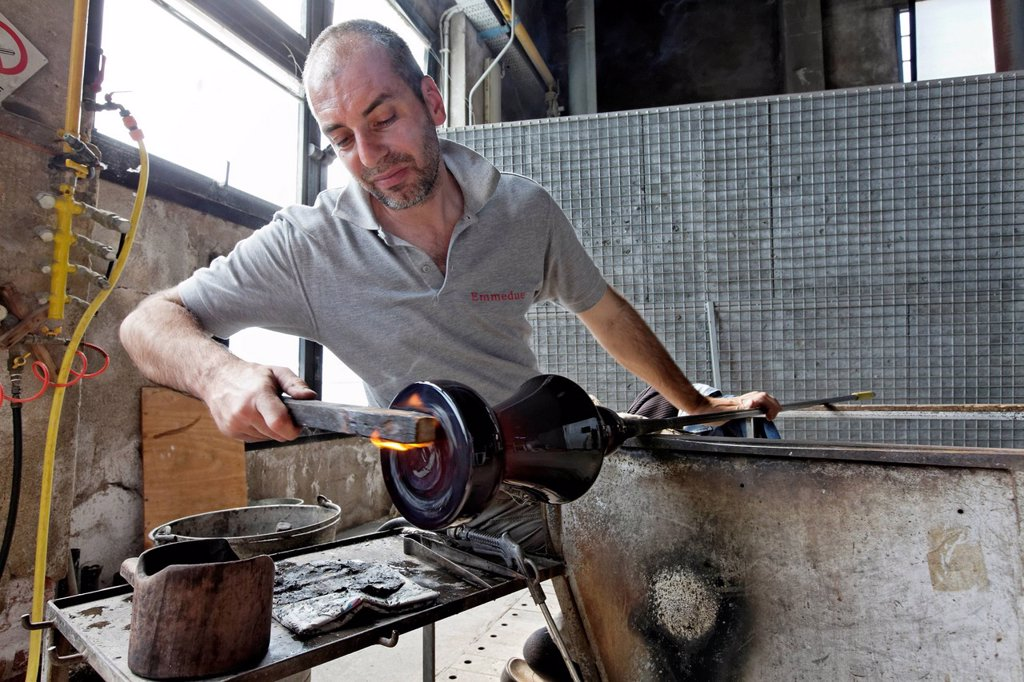 Alberto Conserotti, glassblower maestro, Salviati art glass factory, Murano, Venice, Venetia, Italy, Europe : Stock Photo