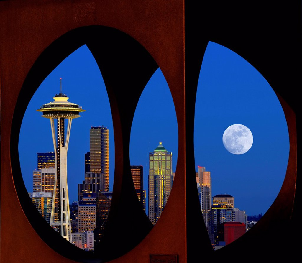 Stock Photo: 1848-708360 Looking through the steel sculpture ´´Changing Form´´ by Doris Chase, Kerry Park, skyline of the Seattle financial district with Space Needle, full moon, Columbia Center, formerly Bank of America Tower, Municipal Tower, formerly Key Tower, U.S. Bank Cente. Looking through the steel sculpture ´´Changing Form´´ by Doris Chase, Kerry Park, skyline of the Seattle financial district with Space Needle, full moon, Columbia Center, formerly Bank of America Tower, Municipal Tower, formerly Key Tower, U.S